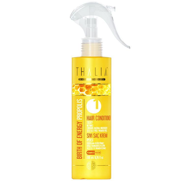 Propolis özleri ile zenginleştirildiği için gün boyu çevresel faktörlere karşı saçlarınızı koruyan bu ürün özel olarak formüle edilmiştir. Saçlarınızın banyo sonrası kolay taranması için durulama gerektirmeyen sıvı saç kremimizi her banyo sonrasında rahatlıkla kullanabilirsiniz. #saçbakım #sağlıklısaç #saçkrem #sıvıkrem #thalia #parabeniçermez #parabenyok #doğal #propolis #doğal #saç #hair #saçkremleri #hassas #hassassaçlar