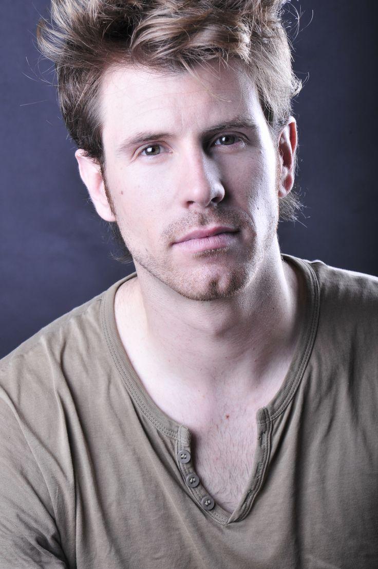 Álex Navarro actor, mago y modelo