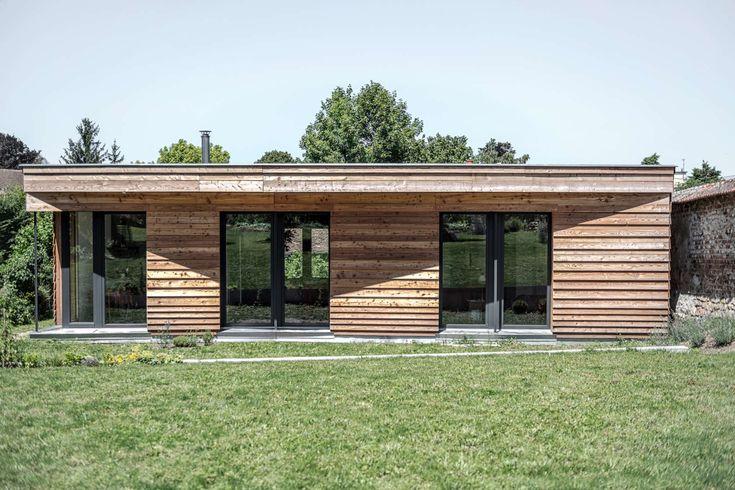 Maison Papillion_Guillaume Ramillien Architecture  exterior finishes, expression cladding,  facades, horizontal cladding.