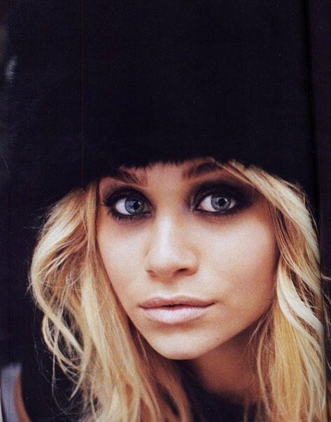 smoky eyes: Eye Makeup, Dark Eye, Ashley Olsen, Smoky Eye, Ashleyolsen, Eyemakeup, Big Eye, Smokey Eye, Olsen Twin