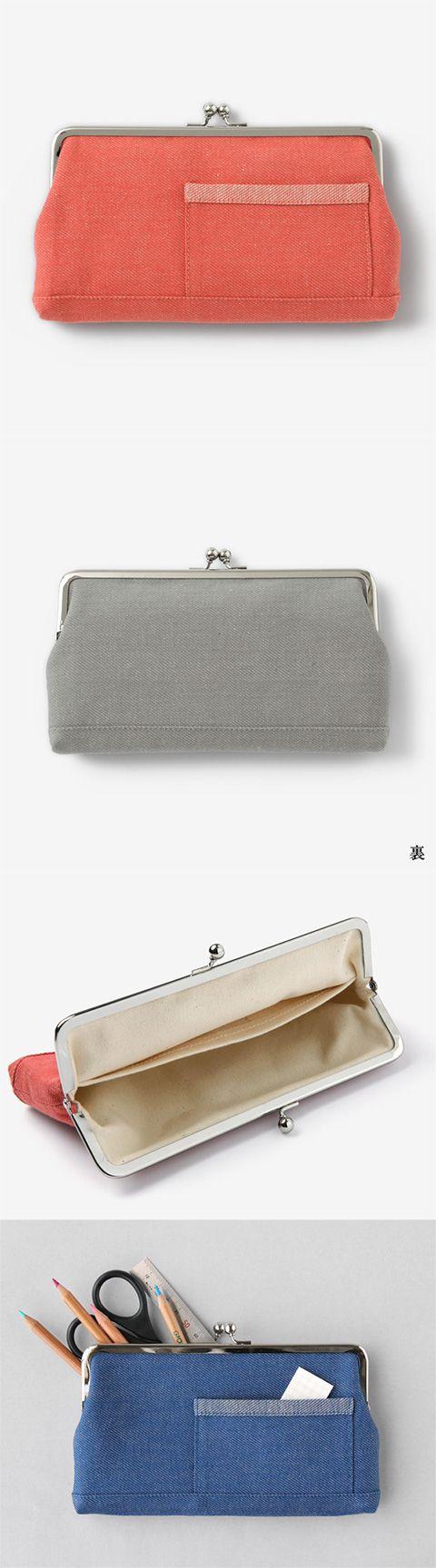 【がま口ポーチ 大(中川政七商店)】/明治期にヨーロッパより日本に伝わったがま口。 長年日本人に愛され、和雑貨の代表となったがま口を、綿麻のカラーデニムを使用して現代のスタイルに合わせた形に仕上げました。 長財布や通帳ケース、ペンケースなどにおすすめのサイズです。 外ポケットは一般的なカードや名刺が収納できる大きさ。 内ポケットはお札がちょうど収まる大きさでおつくりしています。