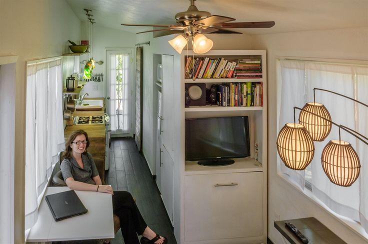 Mladá Američanka z Idaha se rozhodla, že si své další bydlení postaví sama a bez dluhů.