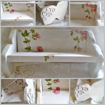 """Újabb """"törpebútor"""" ez a kanapé ihlette darab. Kisméretű virágnak, könyveknek, parfümöknek, vagy más csodás dolgoknak. 6,950 Ft"""
