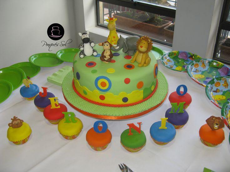 Torta o ponqué de cumpleaños animales.