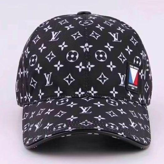 33d9b1db1e69c Louis Vuitton Baseball Cap