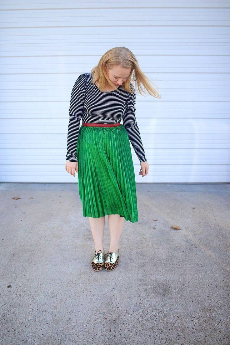 How I Wore a Pleated Metallic Skirt