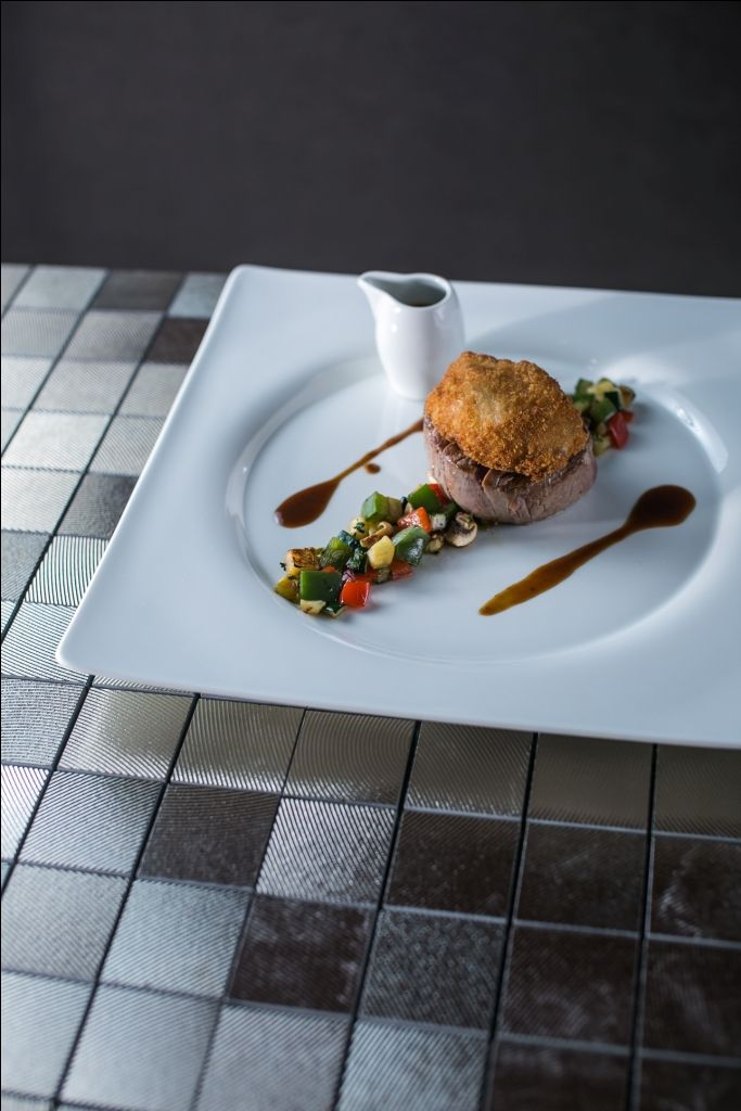 Loin fillet with breaded sweetbread and vegetables of Provence