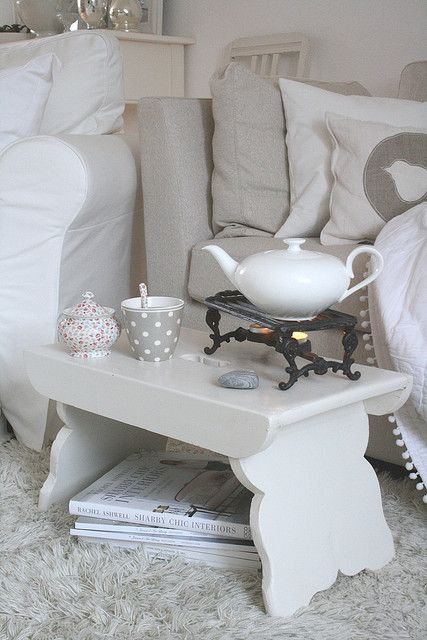 couldn't really decide where to put this...tea?...home decor?...just knew that I loved it...so this could be a really nice little corner to read...or dream...