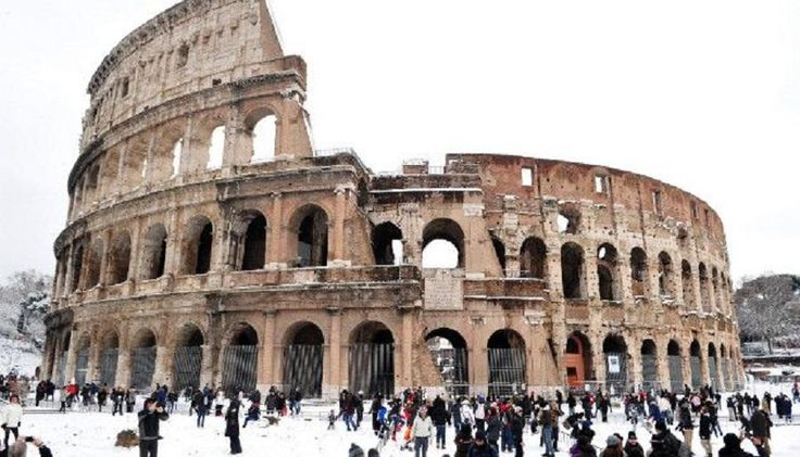 Visit the most iconic landmarks of Rome in this amazing guided tour. Walk inside the stunning Colosseum, see the famous Forum and the Pantheon and complete your journey through Rome's rich history at the famous fountains, piazzas and renaissance buildings of the center with Tourboks.