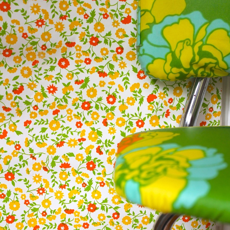 Complete Roll Of 1960 70s Yellow Orange And Green Floral Wallpaper Or Contact Paper Green Floral Wallpaper Floral Wallpaper Trendy Wallpaper