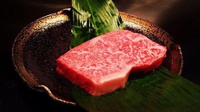 beefsteak🐃💕🍴休みの日はお肉を外で食べると決めている。早めの夕食いただきむす♡ヨダレ出るwww  #dinner#steak#japanesebeef#favoritefood#health#healthfood#healthy#healthyfood#beauty#workout#training#muscle#夕食#夜ごはん#外食#肉#ステーキ#神戸牛#タンパク質#健康#美容#美肌#ヘルシー#トレーニング#筋トレ#好物