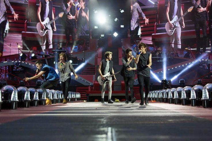 One Direction: Where We Are - Il film concerto che porta sul grande schermo la magia dello spettacolo live della band