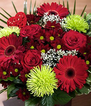 Amore - A gorgeous Valentine's bouquet with Upper Class red Roses, crimson Gerbera and keepsake heart pick. #bunchesuk #valentines