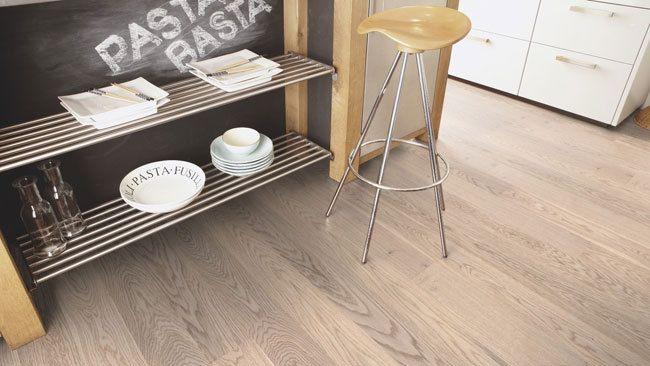 Beautiful Rustic Engineered Oak Flooring!(http://www.oakflooringland.co.uk/boen-castle-plank-oak-animoso-white-flooring/)