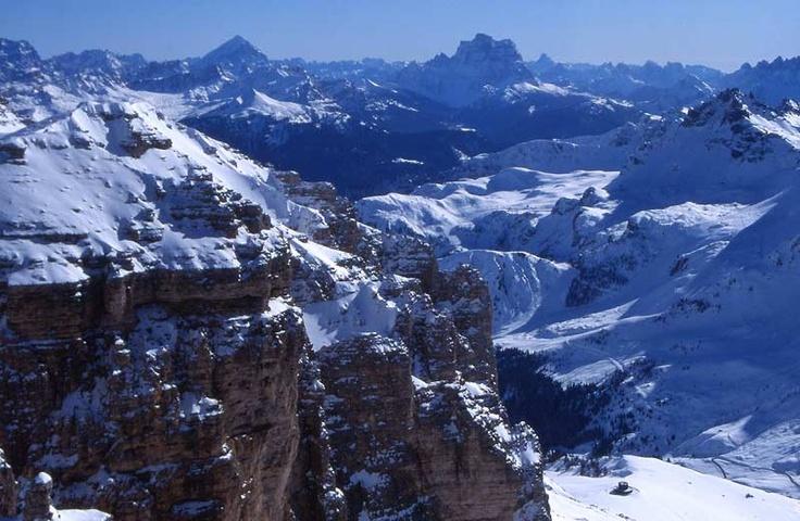 Le cime della Val Gardena viste dall'alto, in Inverno (Alto Adige)