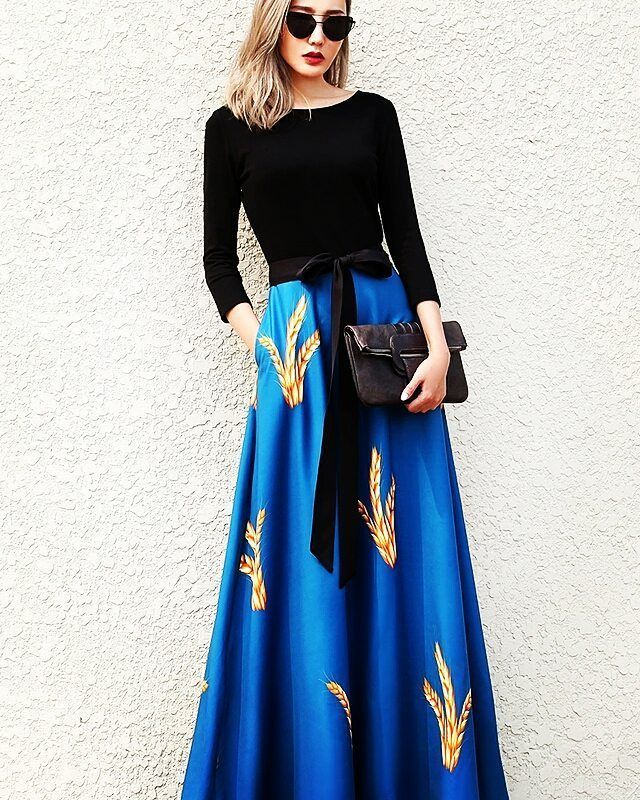 Blue & Black Slim Long Maxi Dress.  DM to order.  #clothingforsale #clothing #vintageforsale #casualclothes #cuteclothesforsale #shoppingspree #vintageclothing #vintagestyle #clothesforsale #grungefashion #fashionforsale #4sale #selling #outfitideas #affordableclothes #lookoftheday #90sgrunge #shopmycloset #witchy #clothesshop #clothesonline #shoptilyoudrop #goodnight #instame #italiangirl #citazioni #womoms #shakespeare #luna #moonlight