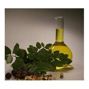 Botella 50 ml de aceite de almendras dulces calidad farmaceutica, primera presion en frio, ideal para tus jabones o uso directo. En todas las composiciones cosméticas en las que esté presente, dotará al producto de propiedades suavizantes para la piel. En su estado puro, es ideal para realizar cualquier masaje ya que deja la piel muy suave e hidratada. Permite añadirle aceites esenciale http://www.apisanz.com/material-jabones/1026-aceite-almendras-dulces.html