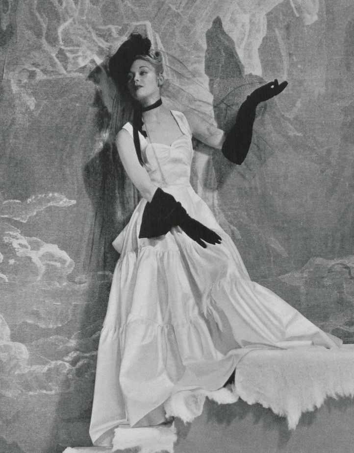 Pin By 1930s 1940s Women S Fashion On 1930s Evening Wear Full Skirt Vogue Photographers Evening Gowns Vintage Fashion Photography