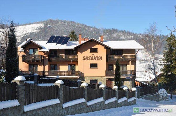 Pensjonat Sasanka oferuje doskonały wypoczynek dla każdego. Obiekt znajduje się przy wyciągach i trasach narciarskich zarówno dla początkujących jak i dobrych narciarzy. Polecamy: http://www.nocowanie.pl/noclegi/szczyrk/pensjonaty/102224/