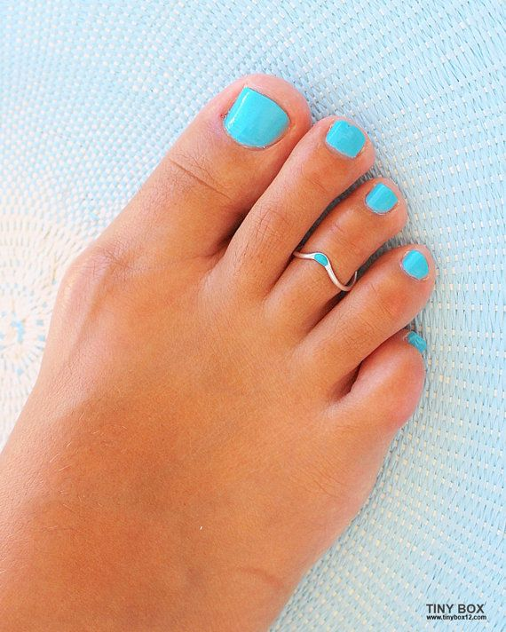 Toe Ring,Gold Toe Ring,Foot Jewelry, Adjustable Toe Ring, Body Jewelry,Toe Rings A simple, yet vibrant toe ring - a mix of turquoise and silver/gold