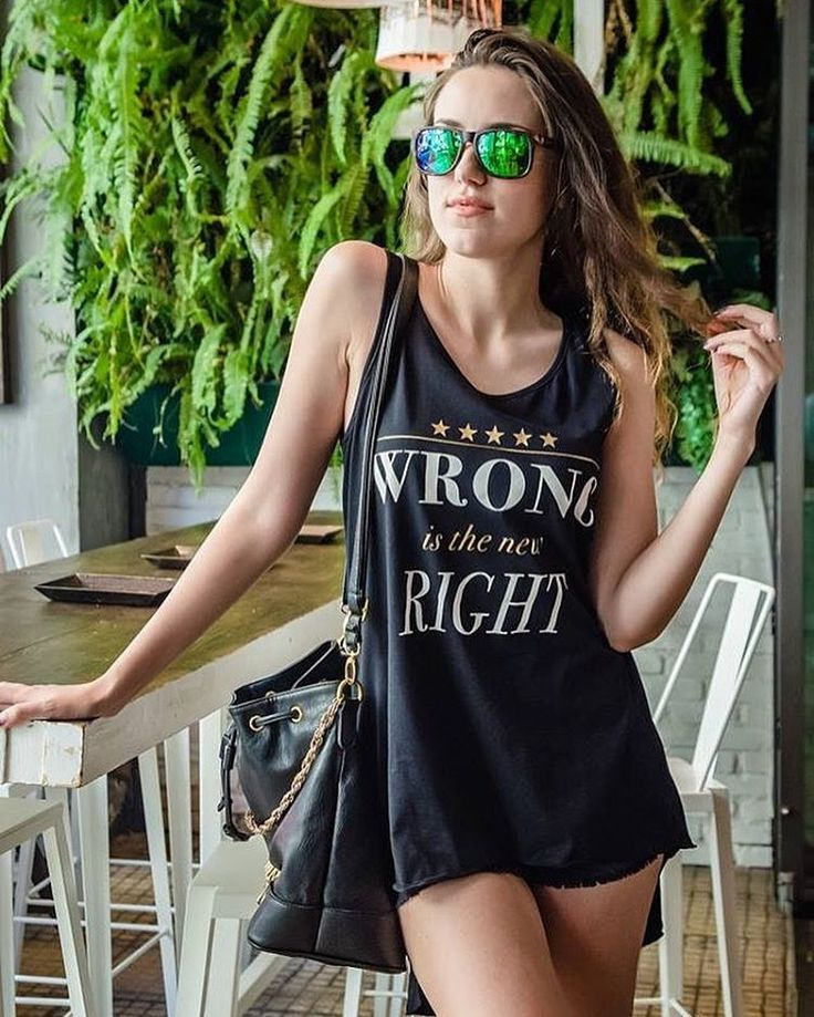 Wrong is the new Right ✌️ #lovefashiongr #fashionblogger #greekblogger #fiafashion #scapeswear