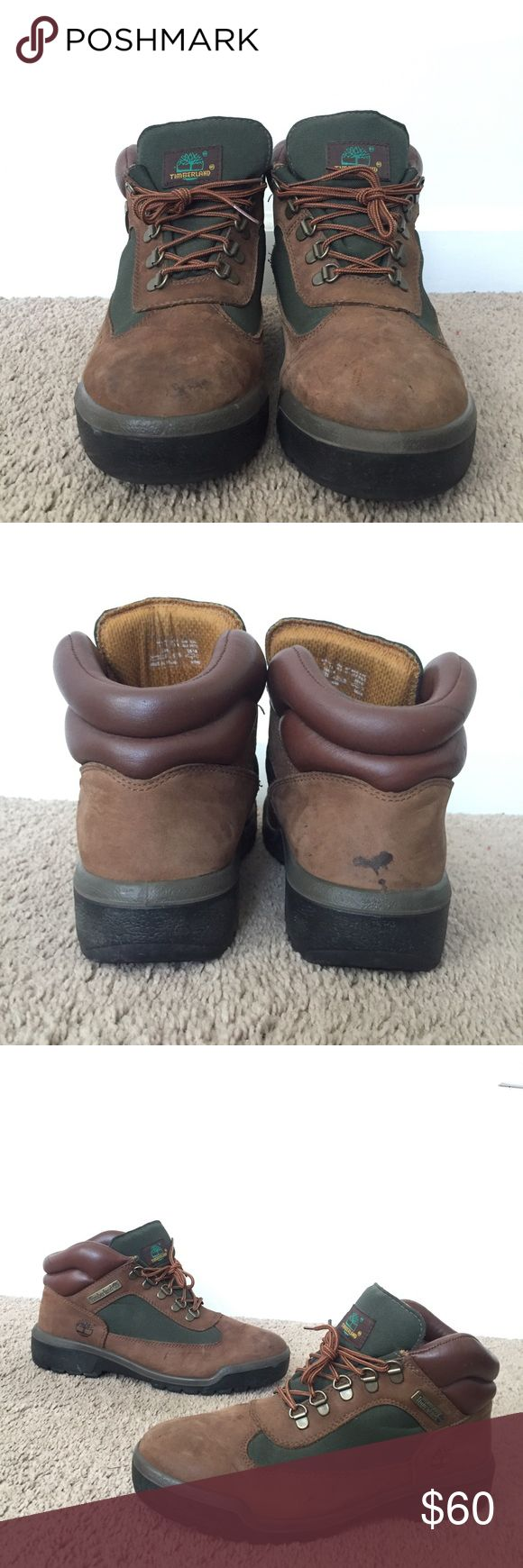 Timberlands - beef n broccoli - low In good shape. Give them a 7/10. Spot on back right foot can be removed with proper cleaning. Both boots have slight creases. I DO NOT HAVE ITS ORIGINAL BOX. Timberland Shoes Boots