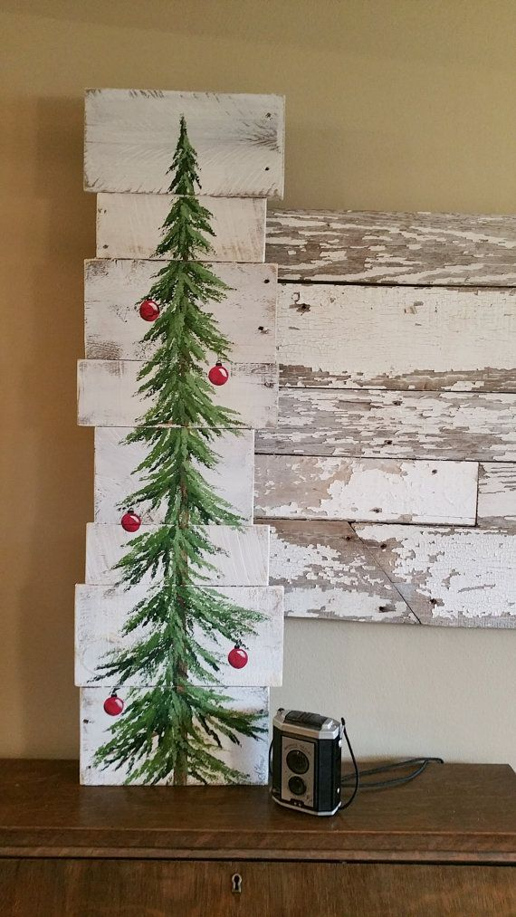 Christmas tree sign white washed red bulbs 3 foot pine - Holzkisten wand ...