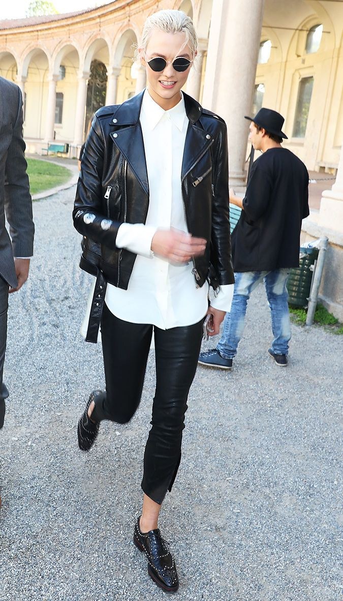 The Flat Shoe Trend Celebrities Are Wearing Again Black Oxfords Outfit Oxford Shoes Outfit Women S Oxfords Outfit