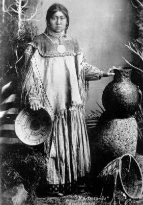 """Na-tuen-de"" Apache maiden :: Western History"