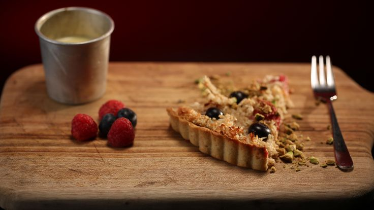 Luke and Scott's Spelt, Berry and Macaroon tart with creme Anglaise from season 4 of My Kitchen Rules: http://gustotv.com/recipes/dessert/spelt-berry-macaroon-tart-creme-anglaise/