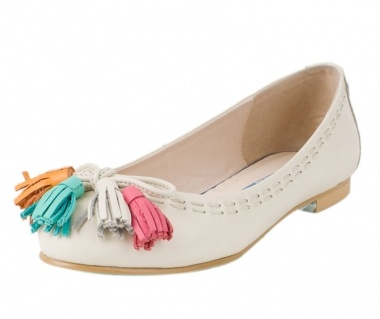 Ivory Funstraps Ballet Flats by le bunny bleu. Could these multicolored tassels be any cuter?!