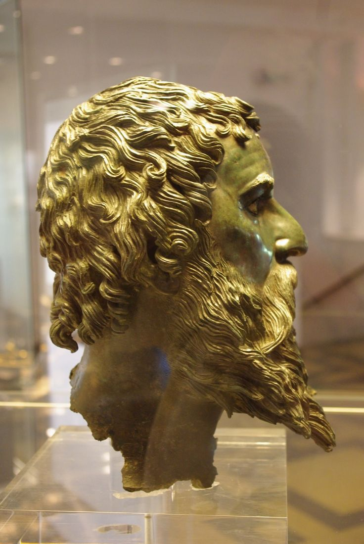 Thracian King 4th C. BC. Bulgaria. Sofia Museum. -Herodotus thought Thrace was the most heavily populated 'nation' in the world after India.