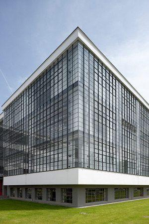 The Bauhaus - Walter Gropius, Architect