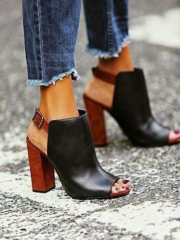 T E L A Y N A: Calzado Minimalista: los Mules.