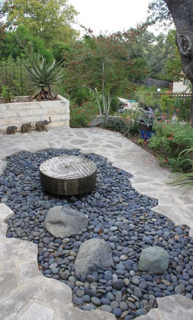 steingarten idee kies brunnen trittsteine platten haus und garten pinterest ky - Gartengestaltungsideen Mit Kies
