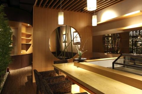 Malu Concept 圓之意境 在設計中置入「圓」的意境象徵其空間精神,再輔以和風元素的竹林植栽與景觀視覺帶出質感。藉由格局的調配增加空間上多元性的使用,讓餐廳多了另一種不一樣的服務態度。