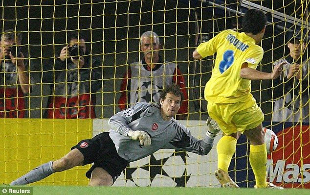 Jens Lehmann (Arsenal FC, 2003–2008, 148 apps, 0 goal) saves a penalty in the 89th minute against Juan Román Riquelme (#8 Villarreal CF, 2003–2005 on loan, 70 apps, 27 goals + 2005–2007, 49 apps, 15 goals) during 2006 Champions League Semi-Final 2nd leg to send Arsenal to the final.