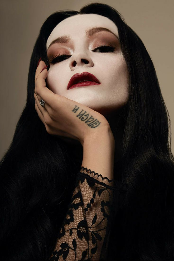 Halloween How-To: Morticia Addams