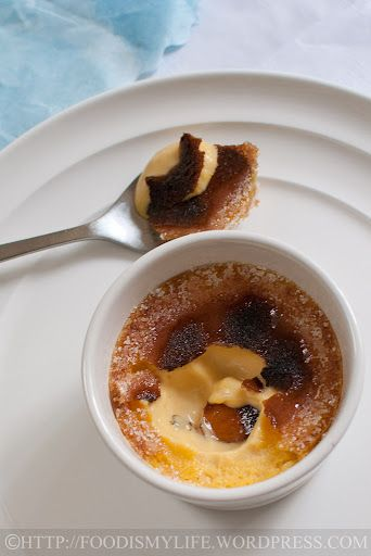 Baileys Crème Brûlée:  180 ml heavy cream 3 egg yolks, at room temperature 25 grams sugar 20 ml Baileys Irish Cream
