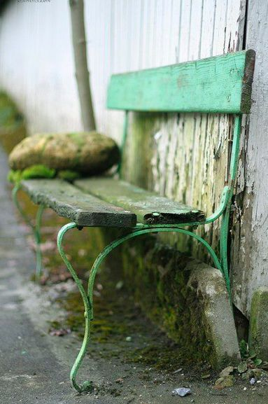 #Benches|There is something amazing beautiful about this picture...