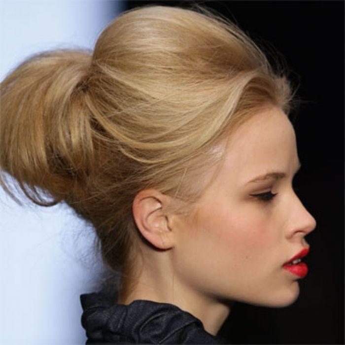 idee de coiffure avec un élastique cheveux