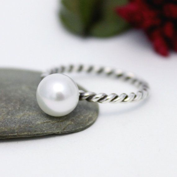 Little Dainty Fresh Water Pearl Ring/ Simple Ring/ by rosajuri