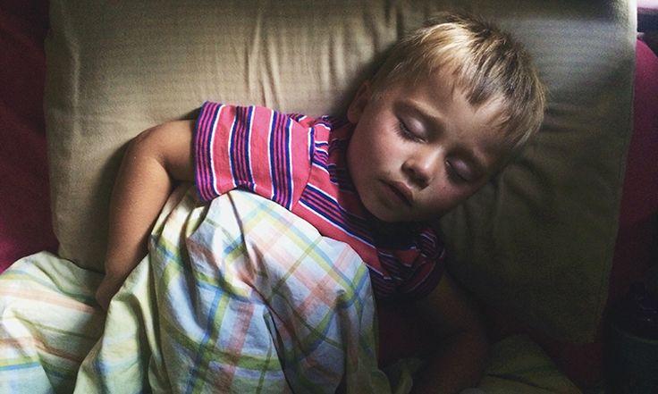 4 Bedtime Strategies That Actually Make Kids Sleepy