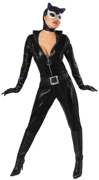 Naamiaisasu; Kissanainen Deluxe  Lisensoitu Kissanainen eli Catwomoman Deluxe asu. Catwoman on vuonna 2004 ensi-iltansa saanut toimintaelokuva, joka perustuu samannimiseen sarjakuvaan.  #naamiaismaailma