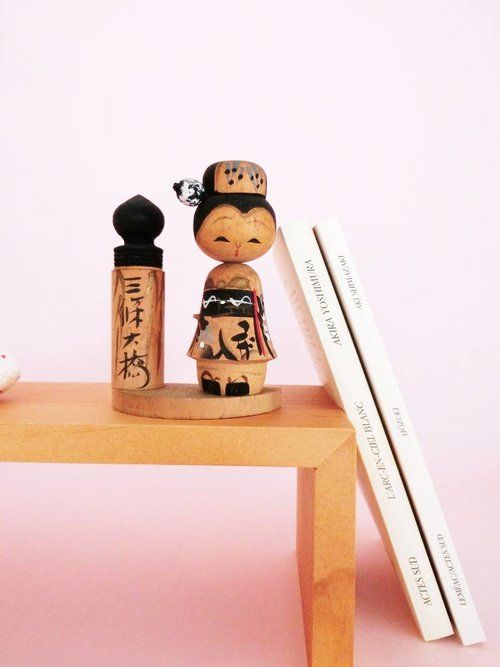 Japanese geisha kokeshi doll