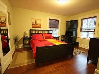 Elegant Renewed Heritage Apartment 3 bedroom Downtown