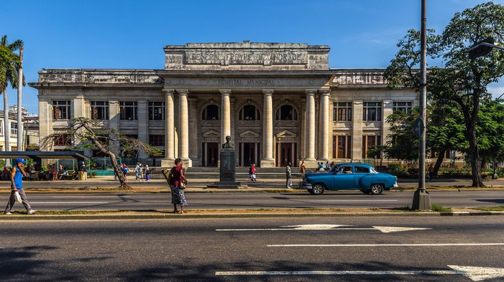 An American who trained to be a doctor in Cuba gives his views of the island's health service.