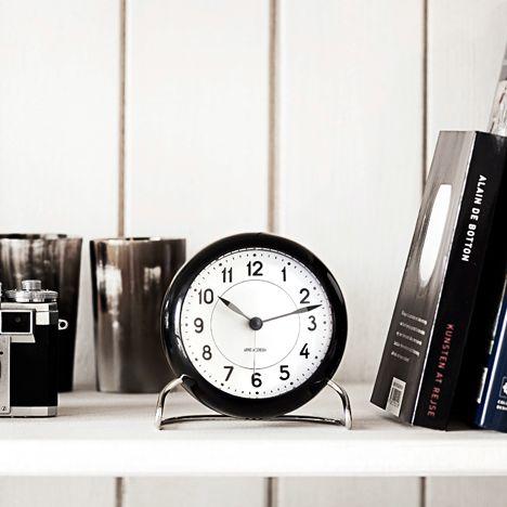 Arne Jacobsen station watch