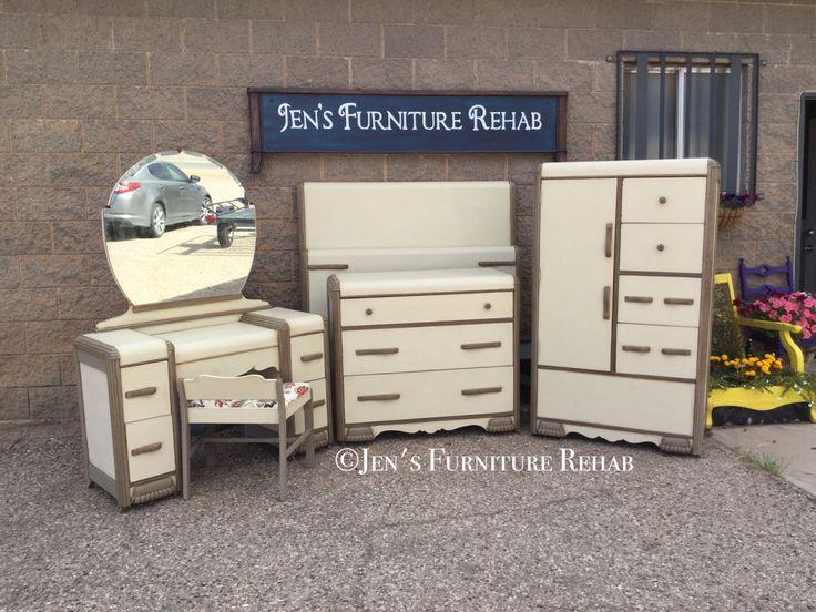 Beautiful Art Deco Bedroom Set Painted With Chalk Paint® By Annie Sloan In  Old Ochre