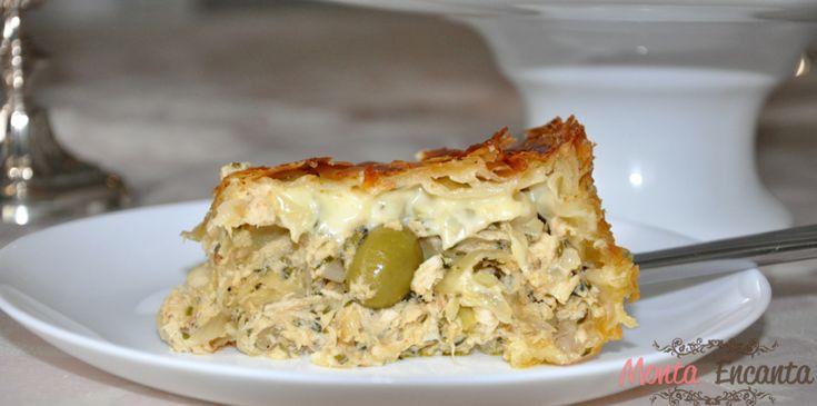 Torta massa folhada frango, massa folhada comprada pronta, recheio frango desfiado com alho poro e requeijão